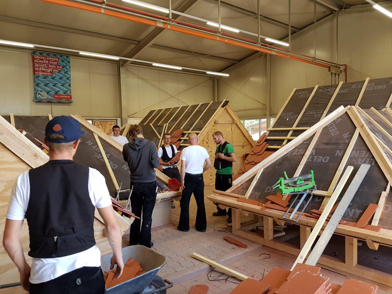 Zwischenprüfung in der Fertigkeit im Dachdeckerhandwerk